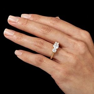 New Nadri 3 Stone Round CZ Ring size 6